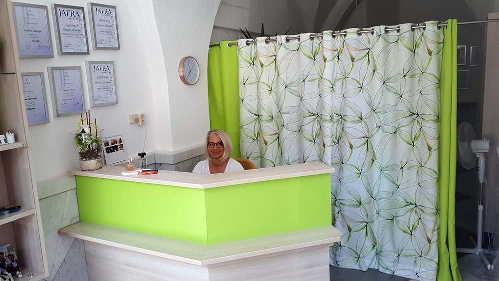 Christine im HairFreeBeauty Studio in Neuötting